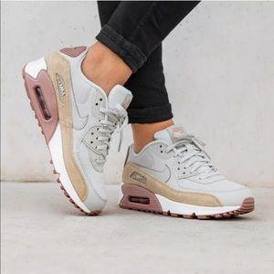 Women's Nike Air Max 90 Sneakers